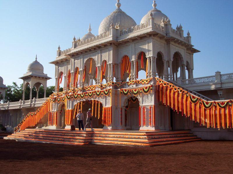 full-1-Raven-India-Mogul-Palace